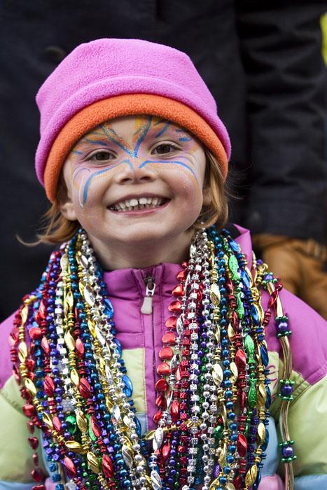 Mardi-Gras-kid-beads